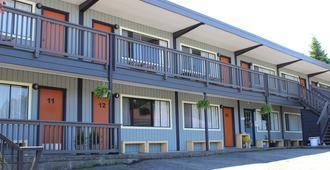Ukee Peninsula Motel - Ucluelet - Edificio