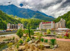 Mercure Rosa Khutor Hotel - Estosadok - Buiten zicht