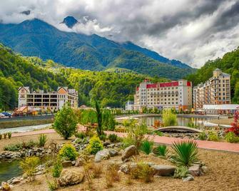 Mercure Rosa Khutor Hotel - Estosadok - Außenansicht