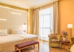 NH Collection Vigo - Vigo - Bedroom