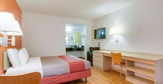Motel 6 Tacoma South - Tacoma - Bedroom