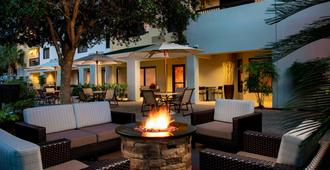 Courtyard by Marriott Myrtle Beach Barefoot Landing - Myrtle Beach - Patio