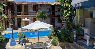 Arraial d'Ajuda Hostel - Porto Seguro - Pool