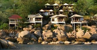 Lighthouse Bungalows & Restaurant - Κο Πα Νγκαν