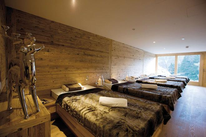 Burg Vital Resort - Lech am Arlberg - Makuuhuone