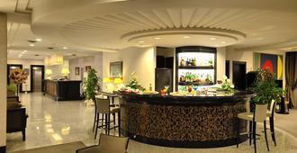 Perugia Plaza Hotel - פרוג'ה - בר
