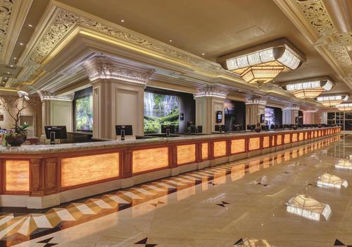 Mandalay bay casino restaurants the royal casino lloret de mar