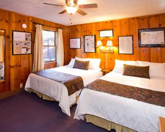 Holiday Haus Motel - Mammoth Lakes - Bedroom