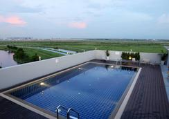 Miracle Suvarnabhumi Airport - Samut Prakan - Pool
