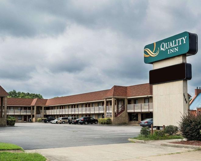Quality Inn Little Creek - Virginia Beach - Building
