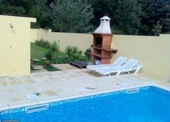 Villa With 3 Bedrooms in Moledo, With Wonderful Mountain View, Private Pool, Furnished Garden - Moledo - Pool