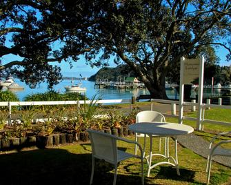 Hananui Lodge and Apartments - Russell - Patio