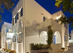 Matas' Apartments - Tinos - Gebouw