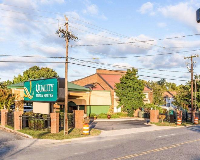 競技場品質套房酒店 - 格林斯波羅 - 格林斯伯勒(北卡羅來納州) - 建築
