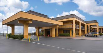 Quality Inn Airport - Southeast - Birmingham