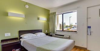 埃爾帕索西 6 號汽車旅館 - 埃爾帕索 - 厄爾巴索 - 臥室