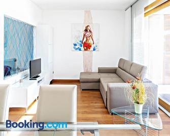 Avolare in Portopiccolo - Sistiana - Living room