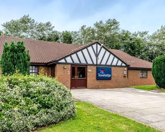 Travelodge Crewe Barthomley - Crewe - Building