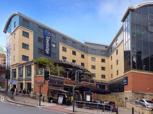 Travelodge Leeds Central - Leeds - Building