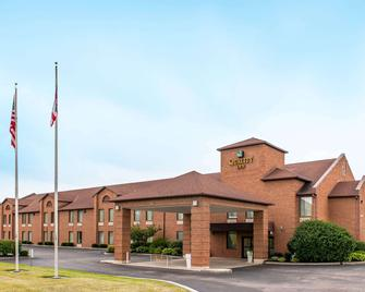 Quality Inn Chester I-75 - West Chester - Building