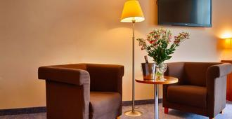 Hotel Focus Lodz - לודז'