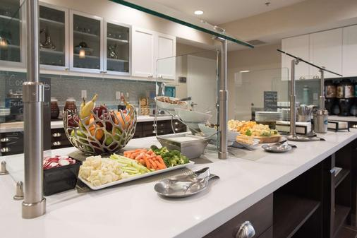 Homewood Suites by Hilton Paducah - Paducah - Buffet