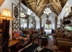 Ngoma Zanga Lodge - Livingstone - Huiskamer