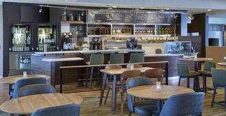 Courtyard by Marriott Indianapolis Castleton - Indianapolis - Bar
