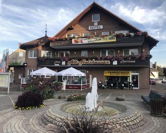 Hotel Alt Holzhausen - Bad Pyrmont - Gebouw