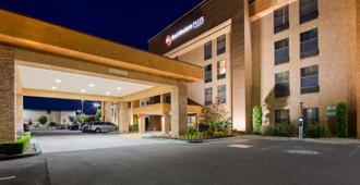 Best Western Plus Fresno Airport Hotel - פרסנו