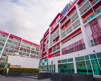 Sleep With Me Hotel Design Hotel @ Patong - Patong - Building