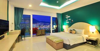 Sleep With Me Hotel Design Hotel @ Patong (Sha Plus+) - Patong - Bedroom