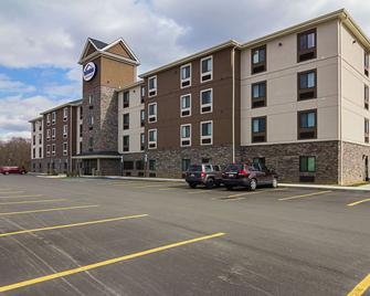 Suburban Extended Stay Hotel - Monaca - Building