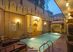 Umaid Mahal - A Heritage Style Boutique Hotel - Jaipur - Pool