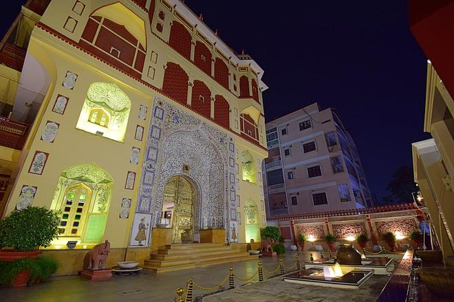 Umaid Mahal - A Heritage Style Boutique Hotel - Jaipur - Building