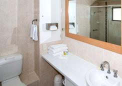 Comfort Inn Grammar View - Toowoomba - Bathroom