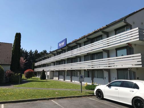 Kyriad Valenciennes Sud - Rouvignies - Valenciennes - Κτίριο