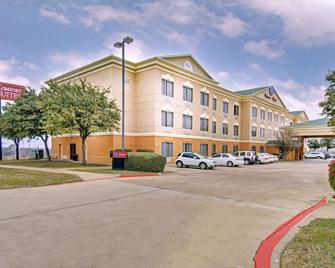 Comfort Suites Roanoke - Fort Worth North - Roanoke - Gebäude