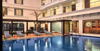 Fortune Jp Palace -Member Itc Hotel Group - מיסור - בריכה