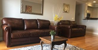 Luxurious Entire Apartment 20 Minutes To Manhattan, Prudential Center 5 Minutes - Newark - Wohnzimmer