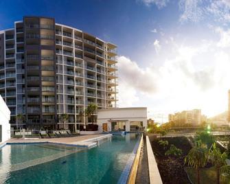 Oaks Townsville Gateway Suites - Таунсвіль - Building