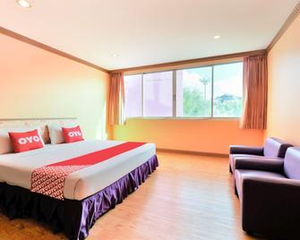OYO 565 Trang Hotel - Trang - Schlafzimmer