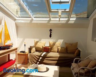Villas Ré Locations Vacances - Ars-en-Ré - Living room