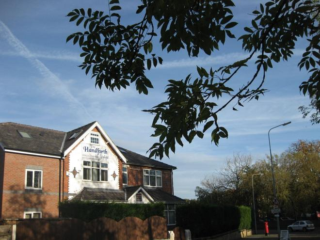 The Handforth Lodge - Wilmslow - Außenansicht