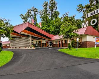 Highland Inn New Cumberland - New Cumberland - Building