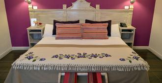 Plaza De Las Aljabas - Salta - Bedroom