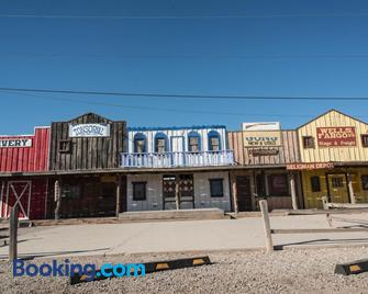 Historic Route 66 Motel - Seligman - Edificio
