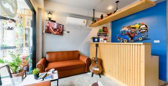 Hip Hostel - Patong - Front desk