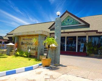 Berlian Abadi Hotel - Banyuwangi - Edificio