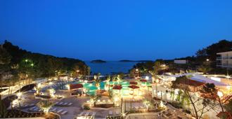 Amfora Hvar Grand Beach Resort - Hvar - Rakennus